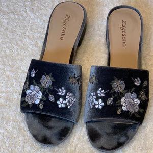 Zigi Soho Velvet Sandals